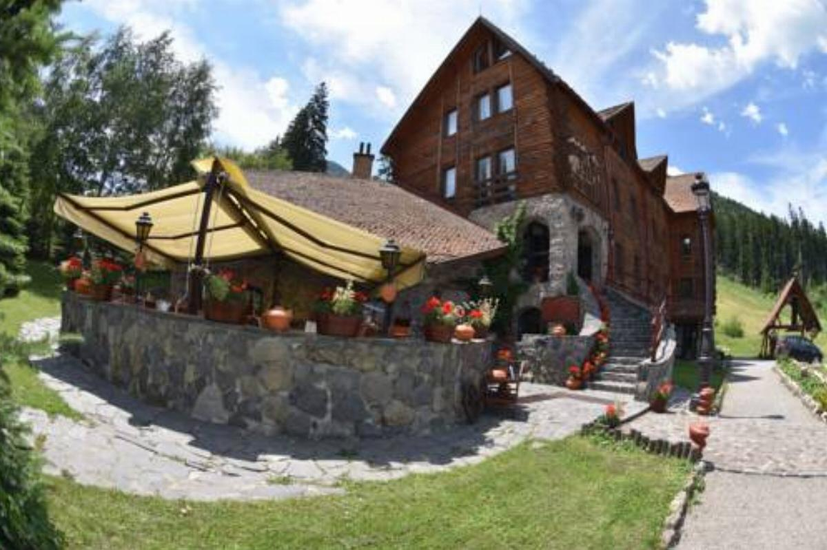 Rezervați la Hotel Ciucas