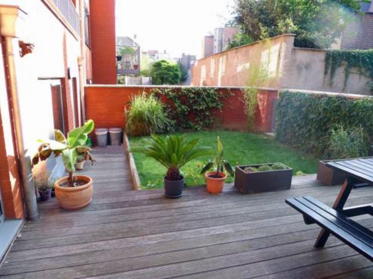 2 BR City Centre - Private Patio + Garden Hotel Brussels Belgium