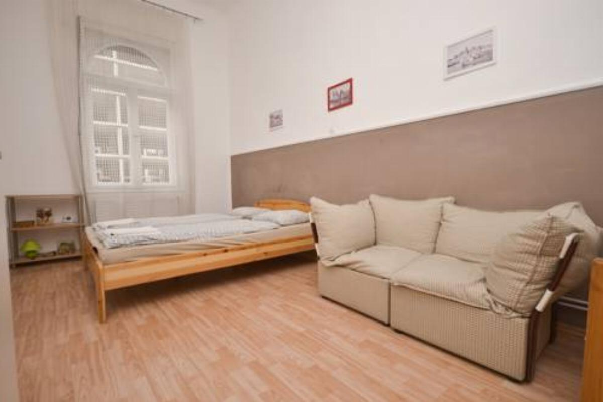 2nd Floor Apartment Hotel Budapest Hungary