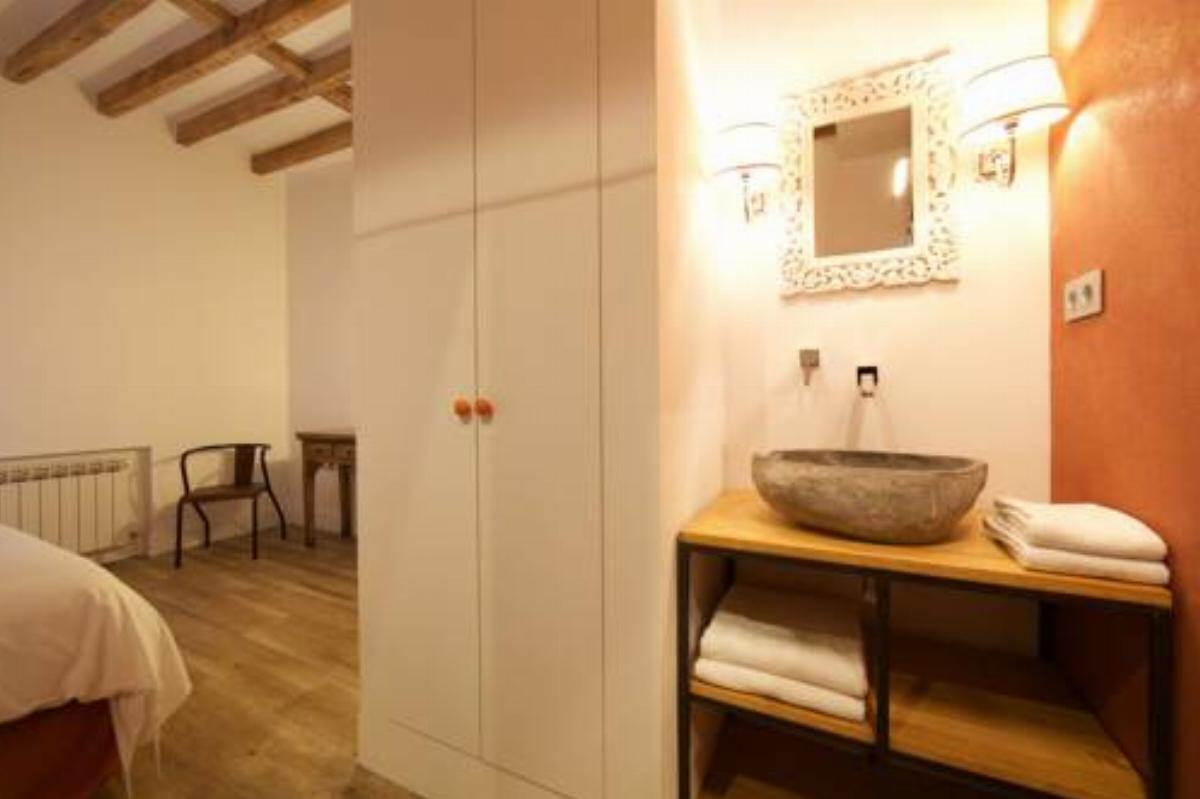 3x3Rentals AD-1 Hotel Madrid Spain