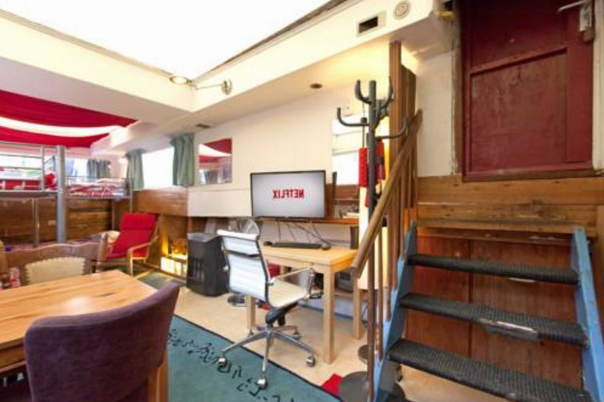 Amico Amsterdam House Boat Hotel Amsterdam Netherlands