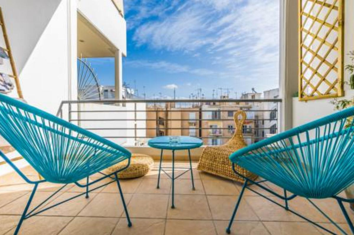 Chic, Stylish & Central 2BDR Apt - Private Parking Hotel Athens Greece
