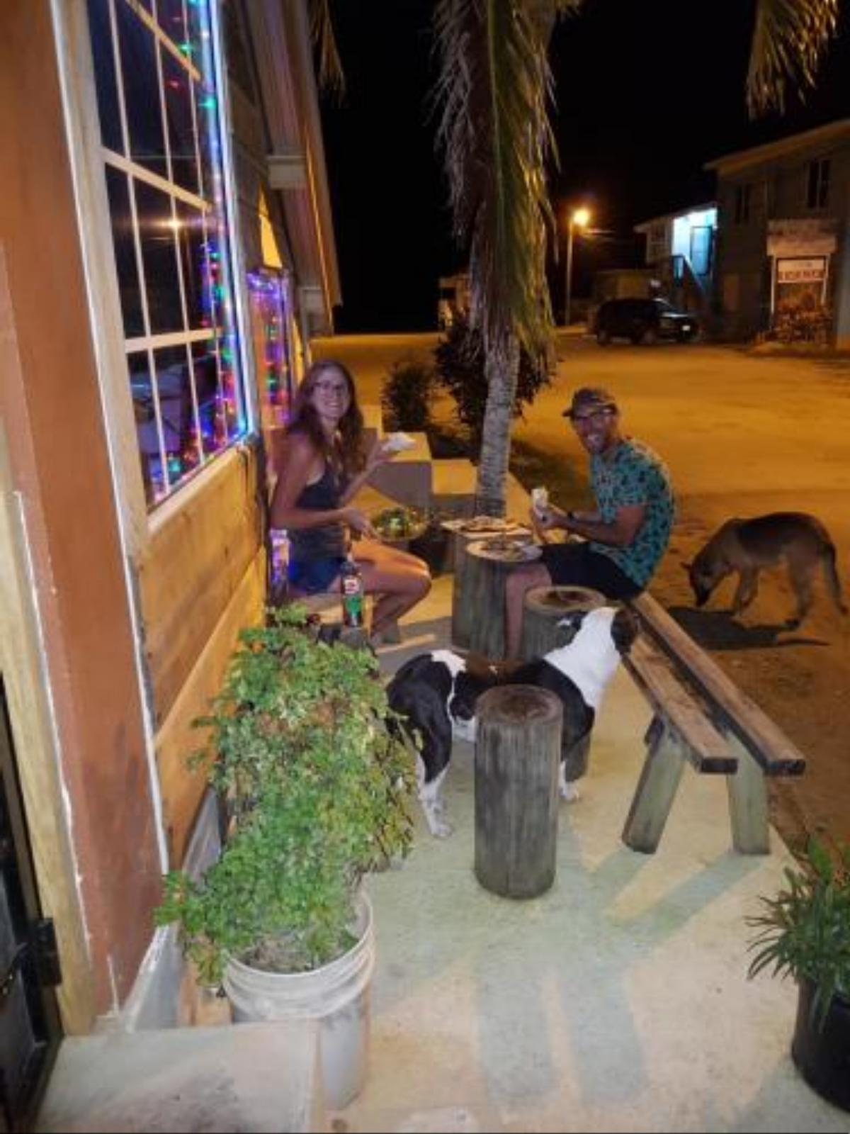 D's Hostel Hotel Dangriga Belize