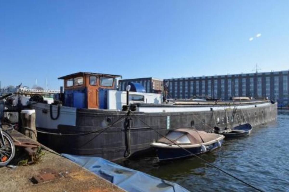 HUGE(150m2) & MODERN HOUSEBOAT +Warm&Cozy Fireplace Hotel Amsterdam Netherlands