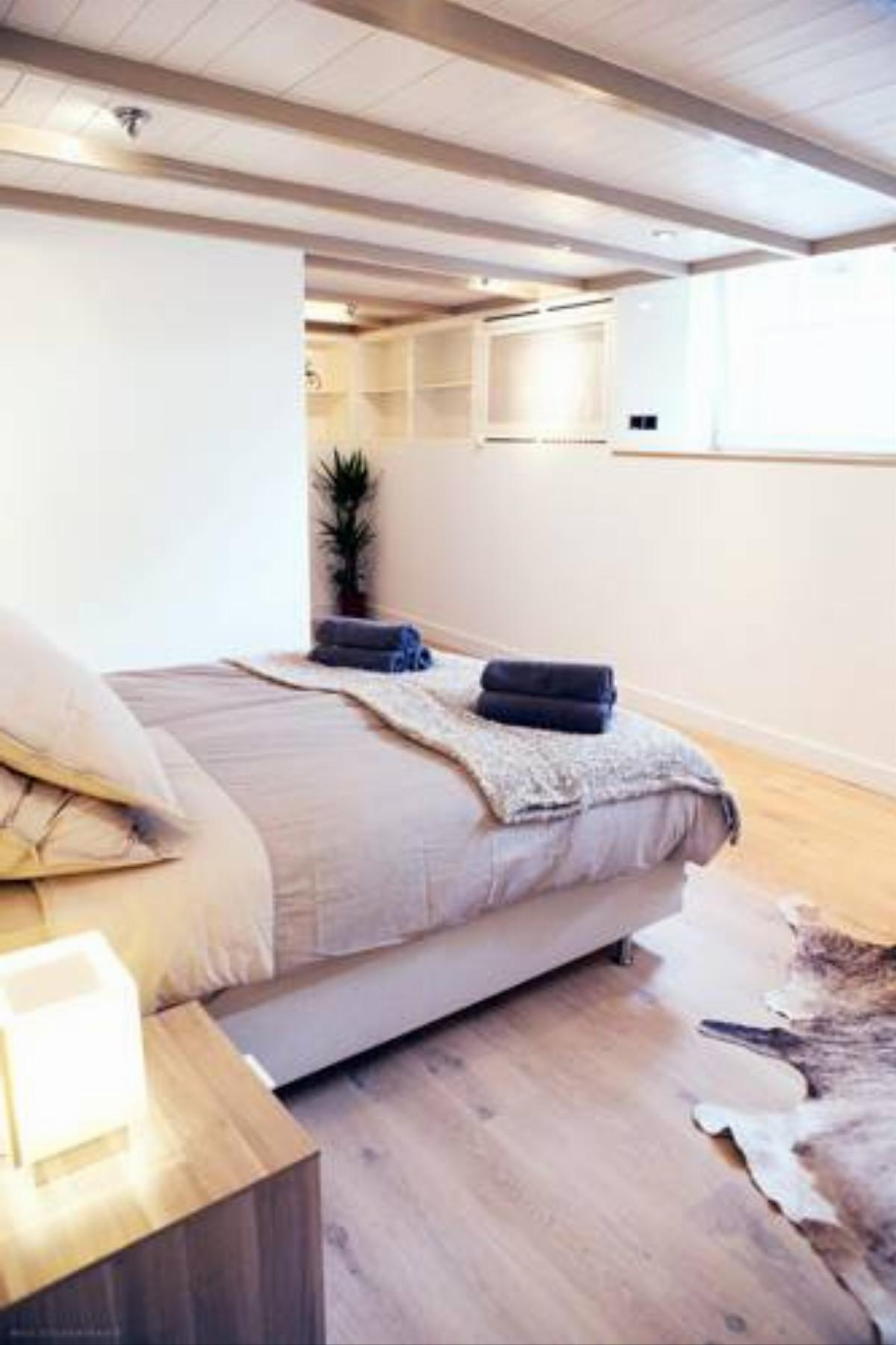 One Bedroom Apartment (4 Adults) Hotel Amsterdam Netherlands
