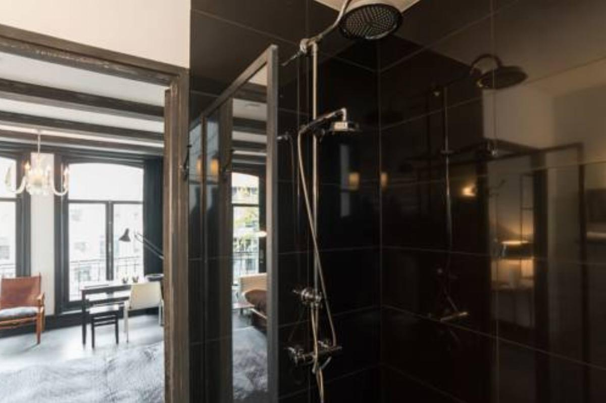 The Black | Canal view private studio Hotel Amsterdam Netherlands