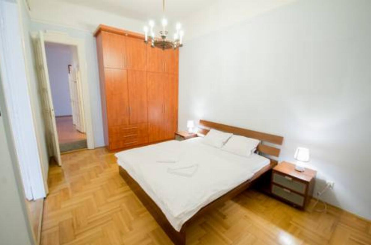 Travelers' Choice close to the DownTown Hotel Budapest Hungary