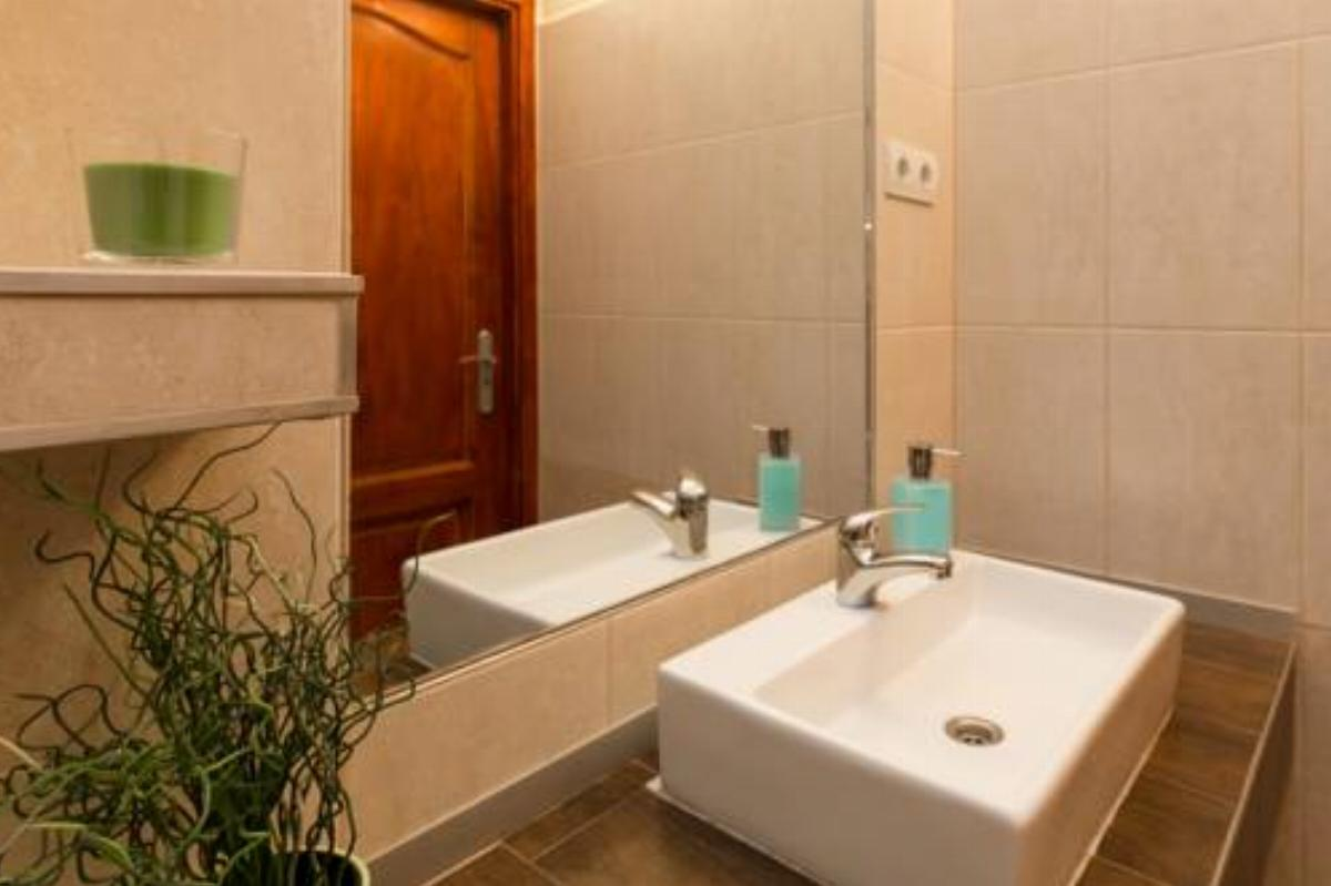 Trendy Apartment by the Danube Hotel Budapest Hungary